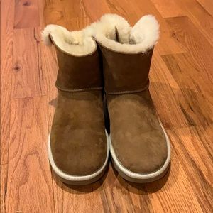 Cute Ugg Bow Boots Size 8